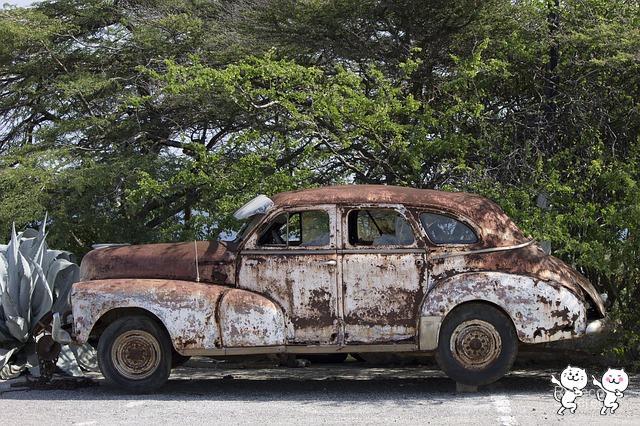 car-1572215_640